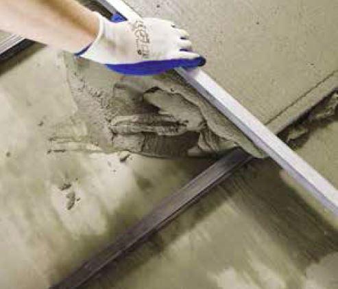 Zementestrich Zementfu/ßboden selbstverlaufend f/ür innen au/ßenbereich 10-80 mm ATLAS POSTAR 100 25Kg