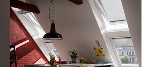 Store extérieur pare-soleil télécommandé VELUX MML motorisé à énergie électrique