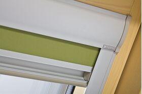 Verdunkelungsrollo für FAKRO Dachfenster - Montage am Flügel