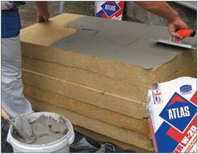 Adhesive ATLAS ROKER U both for fixing mineralwool boards and for mesh embedding