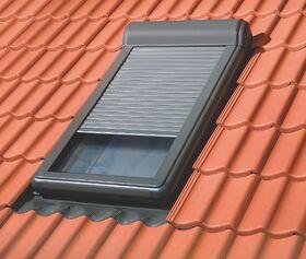 FAKRO ARZ-H : manueller Außenrollladen für FAKRO Schwingfenster aus Holz