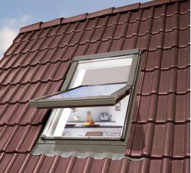 Fenêtre de toit en PVC OptiLight TLP CONFORT avec vitrage triple